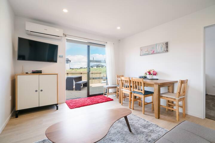 Schnapper Rock Modern & New 2 Bedrooms Unit