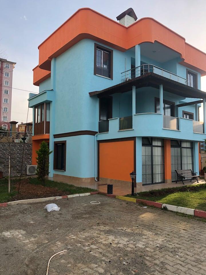Seyran orange top floor