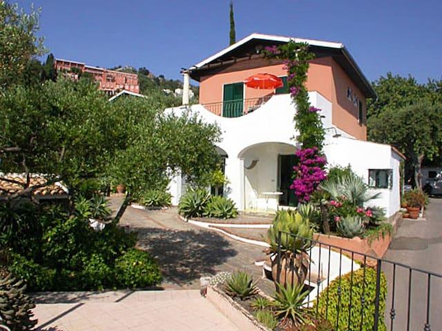 Holiday apartment Terra Rossa in Taormina
