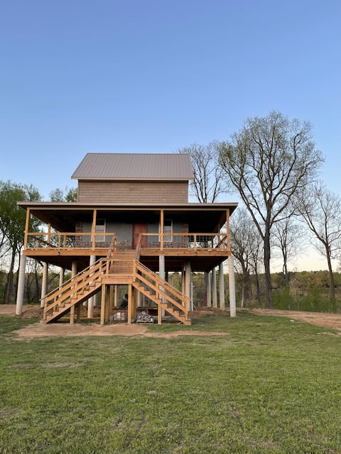 The Hideaway at Yorktown- A White River Getaway