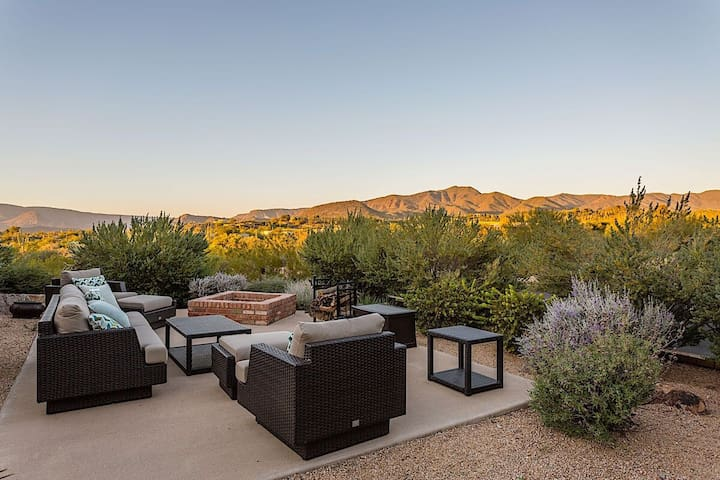 Tranquil Desert Getaway in Carefree 55+ Community w/ Heated Pool