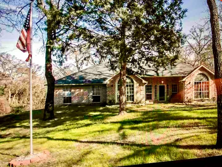 Angel Lake House nearTyler