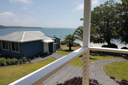 Fabulous view - direct beach access - Soldiers Point - Sommerhus/hytte