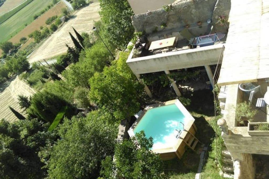 chambre balcon sur le luberon superbe vue piscine houses for rent in lurs provence alpes. Black Bedroom Furniture Sets. Home Design Ideas