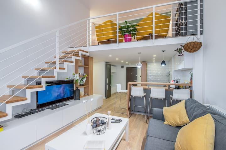 Unique Mezzanine Apartment in the city center ;°)