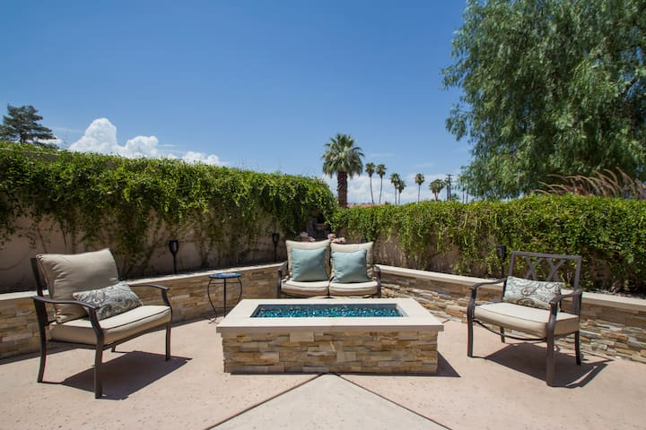 Private Casita in the Heart of Palm Desert