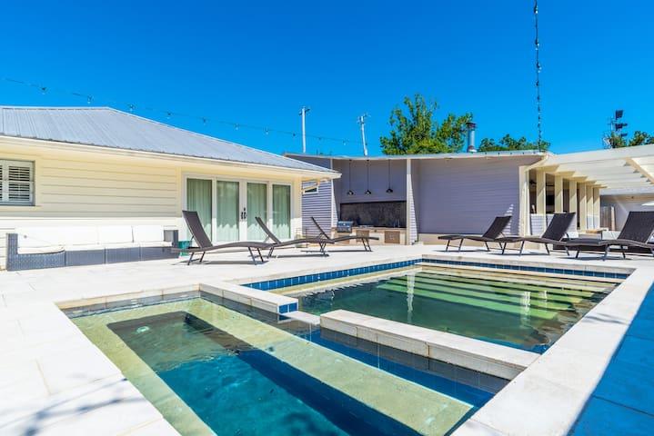 The Art House in Ocean Springs - pool & jacuzzi!