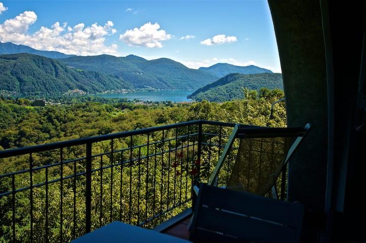 Pura-casa vista lago evt fruibile per HOME OFFICE