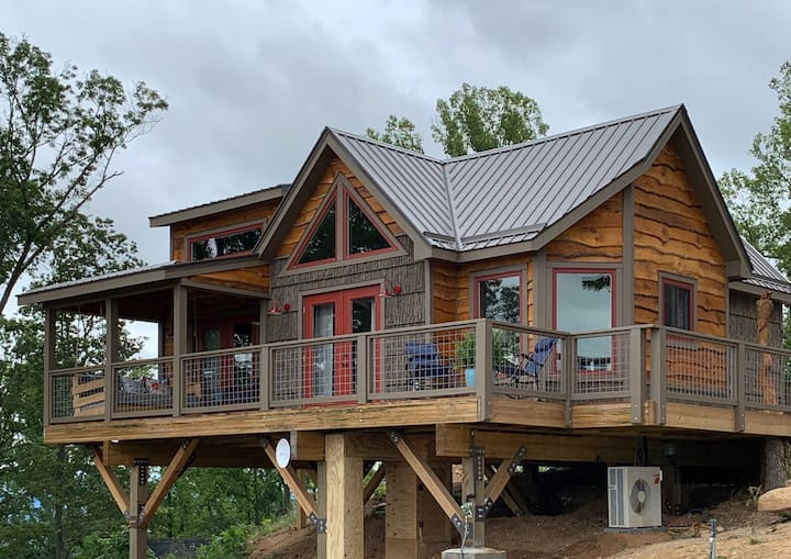 The Perch - Treehouses of Serenity
