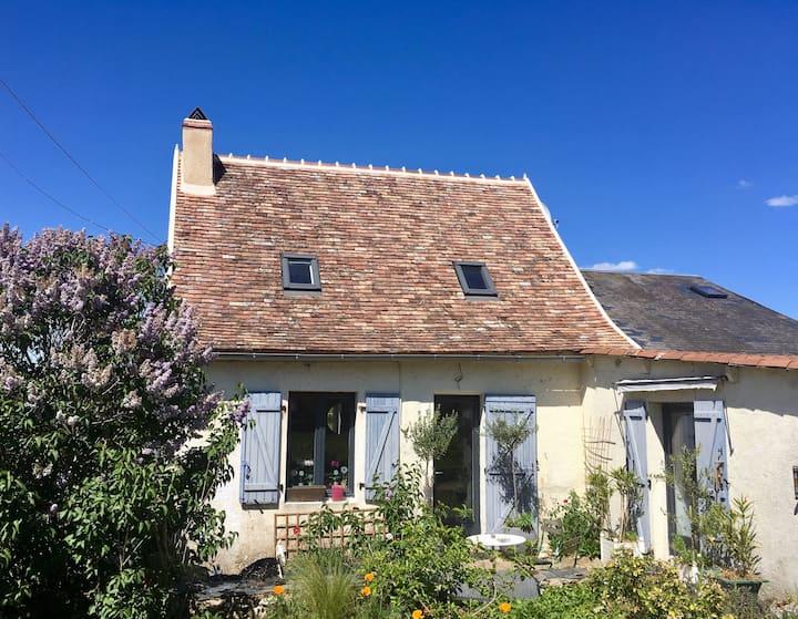 Maison en pierre, restaurée, grand jardin arboré