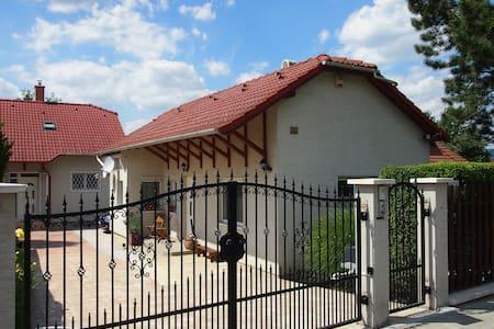 Small Lodge / Kleinhaus / Kisház - Pomáz - Haus