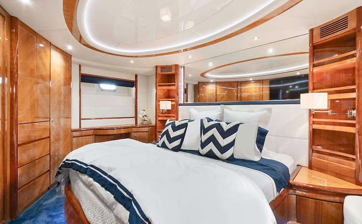 70' Azimut for Rent in Miami - 3/3 Yacht Vacation!
