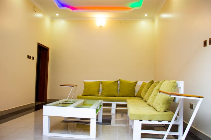 Modern private room | Fiber internet | Kimihurura