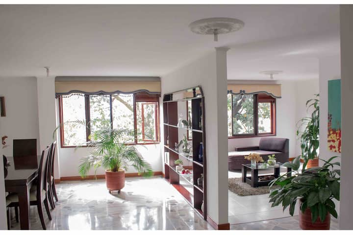 PRIVATEROOM IN LOVELYCLEAN APARTMENT IN EL POBLADO