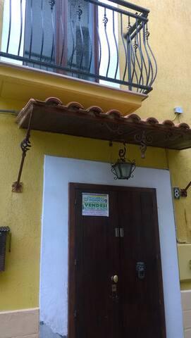 Casa per lavoratori - Lavello - Pis