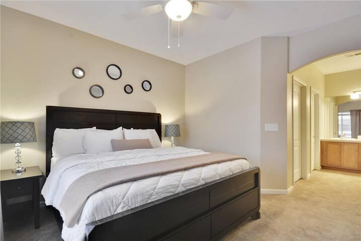 Amazing 1st Floor Lakeshore @ Centerra (LC4665102)