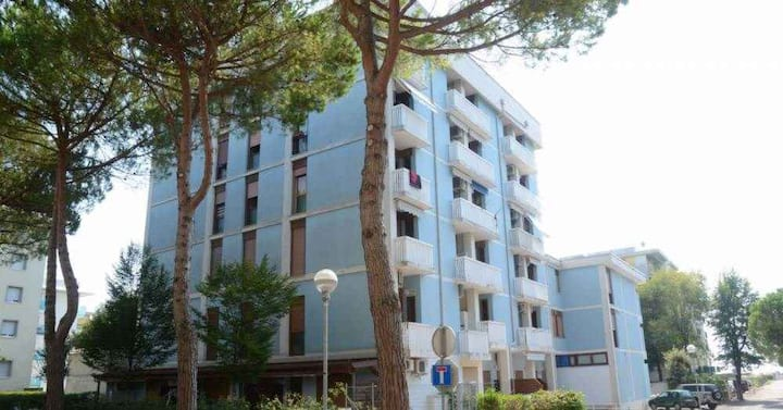 Studio for 3 persons with a/c in Bibione R26842