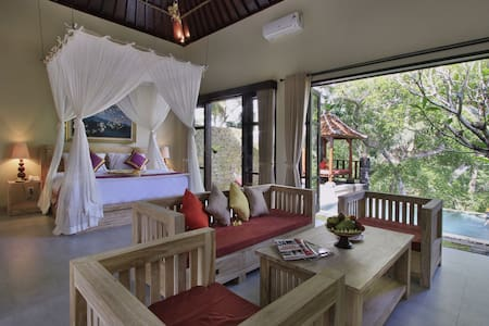 Romantic ambience One bed room private pool villa - Tampaksiring
