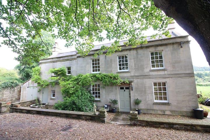 Rural Georgian cottage (former Mill) near Bath