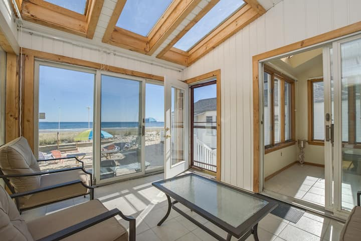 Beach Front House! 5Bdrms! Sleeps 16 Ocean View!