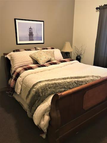 mid level bedroom