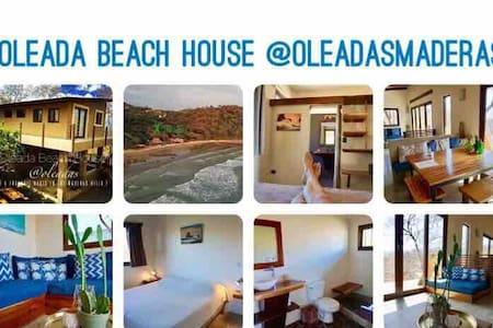 Oleada Beach House @Playa Maderas