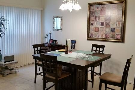 Spacious Townhome on Waterway - Little River - Villa