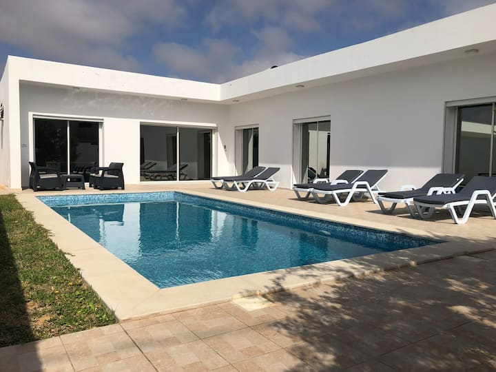 Villa moderne avec piscine privée à Midoun