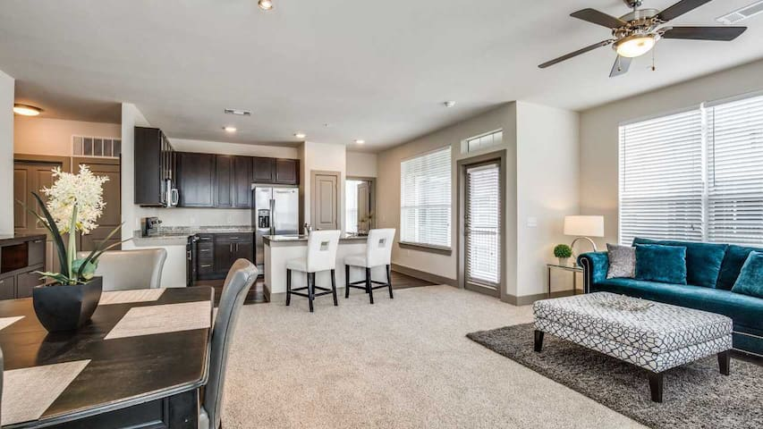 Cozy apartment for you | 1BR in Spring