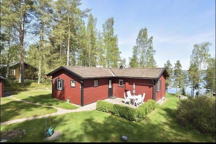 Mysig stuga i Stjärnsund