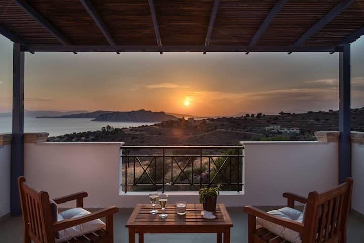 Alexander Villa near Klima beach with amazing view