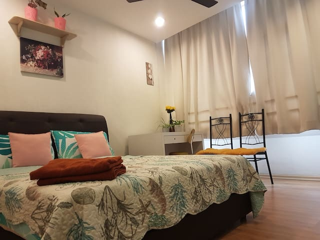 DOUBLE ROOM WITH BATHROOM #01 NEAR THE SHORE MALL