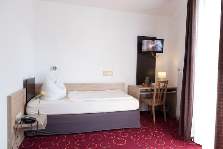 Hotel Promenade (Bad Steben), Einzelzimmer mit modernem Interior
