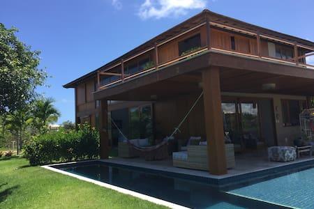 Linda Casa de Frente Para o mar - Mata de São João