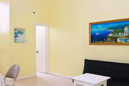 South Grove Convenient Apartment #1 - La Tourney - Leilighet