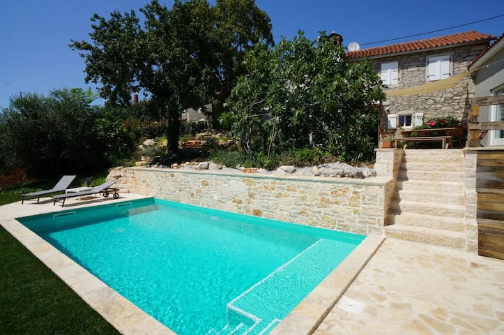 Stone Villa immersed in beautiful nature with pool
