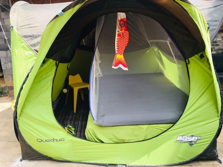 杂货铺咖啡的帐篷小屋