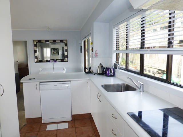 Estuary Beach Home-Orewa - Red Beach - Huis