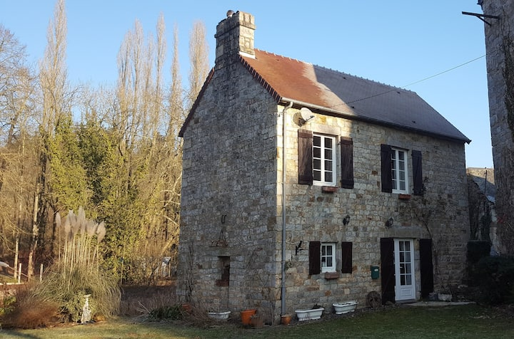 Le Moulin - secluded mill cottage on its own isle
