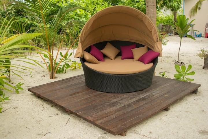 LVIS BLANCURA HOTEL MALDIVES DELUXE DOUBLE ROOM