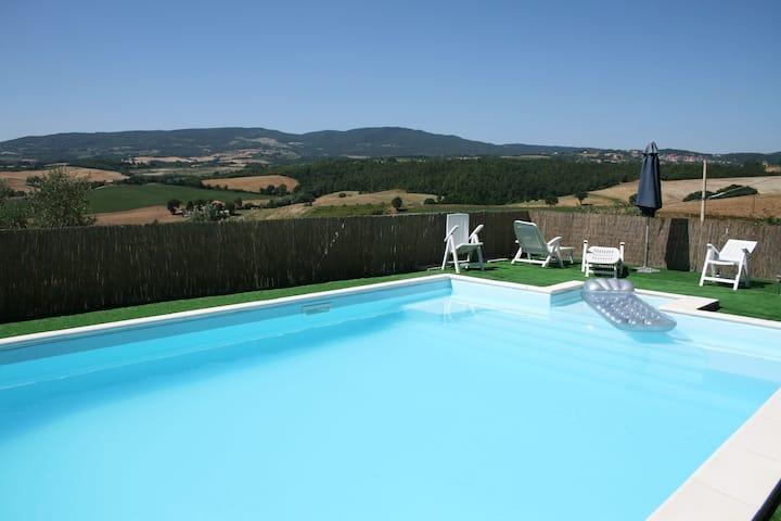 Private villa with pool close to Chianciano Terme