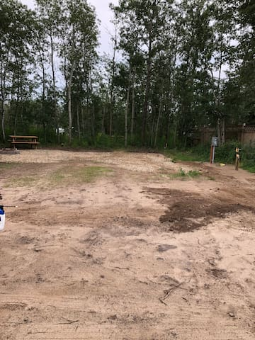 Campsite Available, Full Hookups! Wolf Creek.