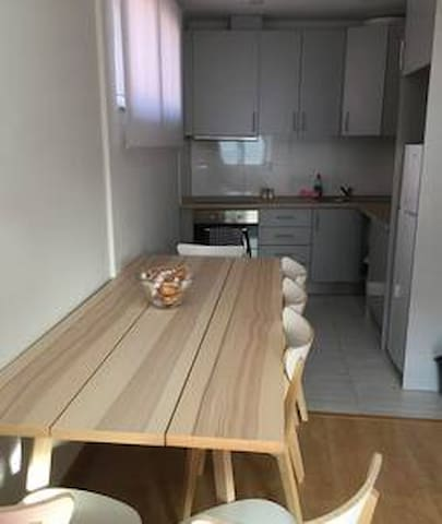 Modern and Amazing Apartments in Porto, 10 people