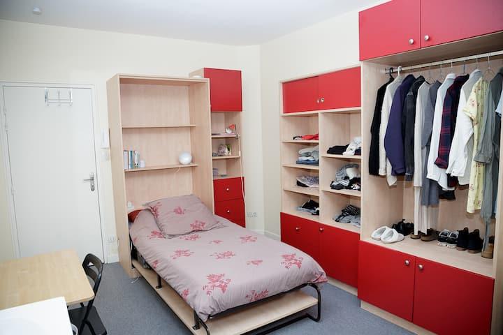 Chambre meublée en résidence