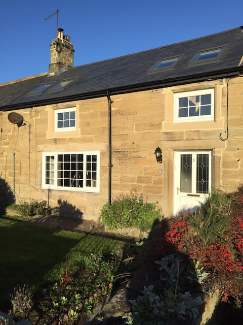 Bea's Cottage by the Sea, Cresswell Northumberland