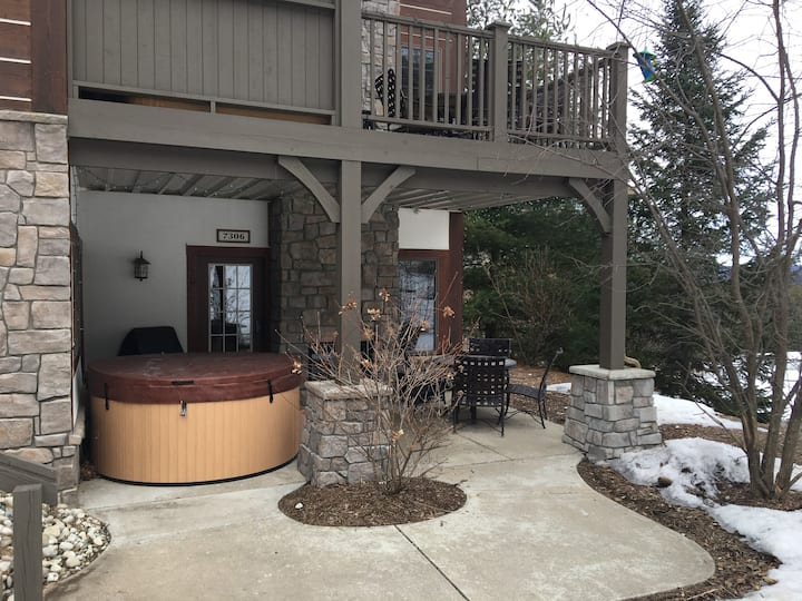 Boyne Mountain Condo w/ private hot tub