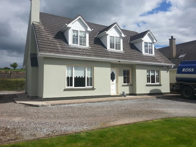 Derrynane House P12DP79