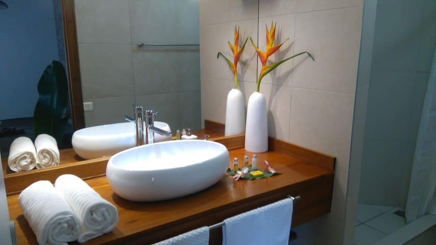 appartement Orio Papeete, vue, piscine, terrasse
