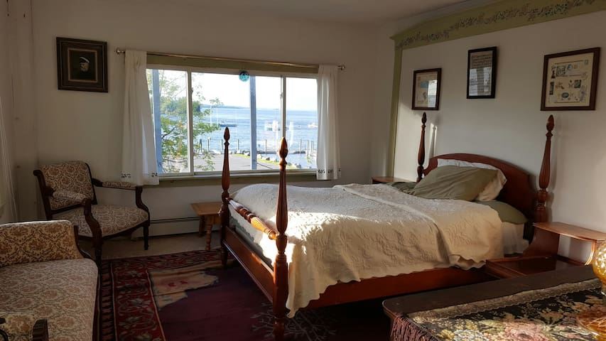 Private rm, breathtaking ocean view - Lubec - Casa