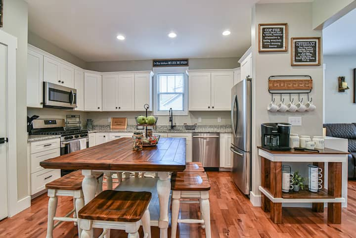 The Montreat House *NEW Home & NEW Listing!*